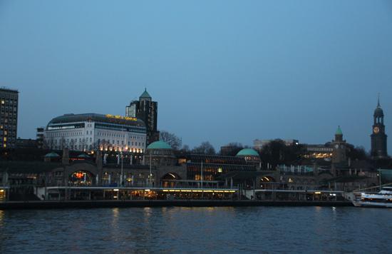 binedoro Blog, Hamburg, Städtetrip, Städtereise, Auszeit, Sightseeing, Hafen, Landungsbrücken