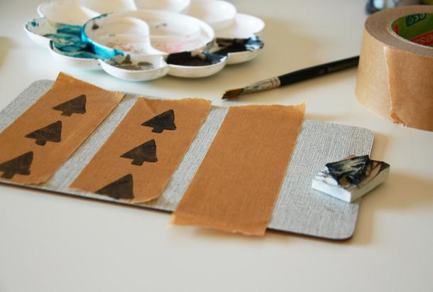 binedoro Blog, DIY, Geschenkverpackung, Paketklebeband, stempeln, bedrucken, lettering, Handlettering, Brushpen, Weihnachten