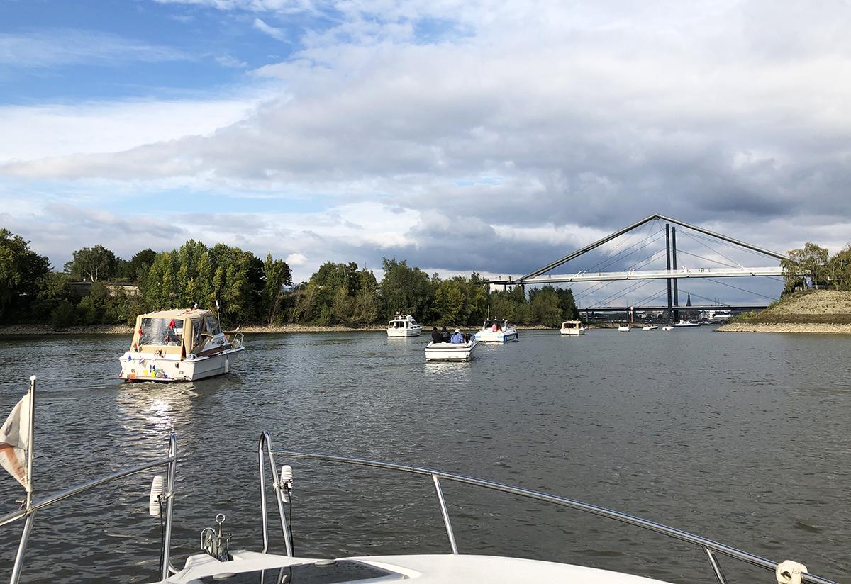 Motorboot Abfahren 2019 Düsseldorf Saisonende binedoro
