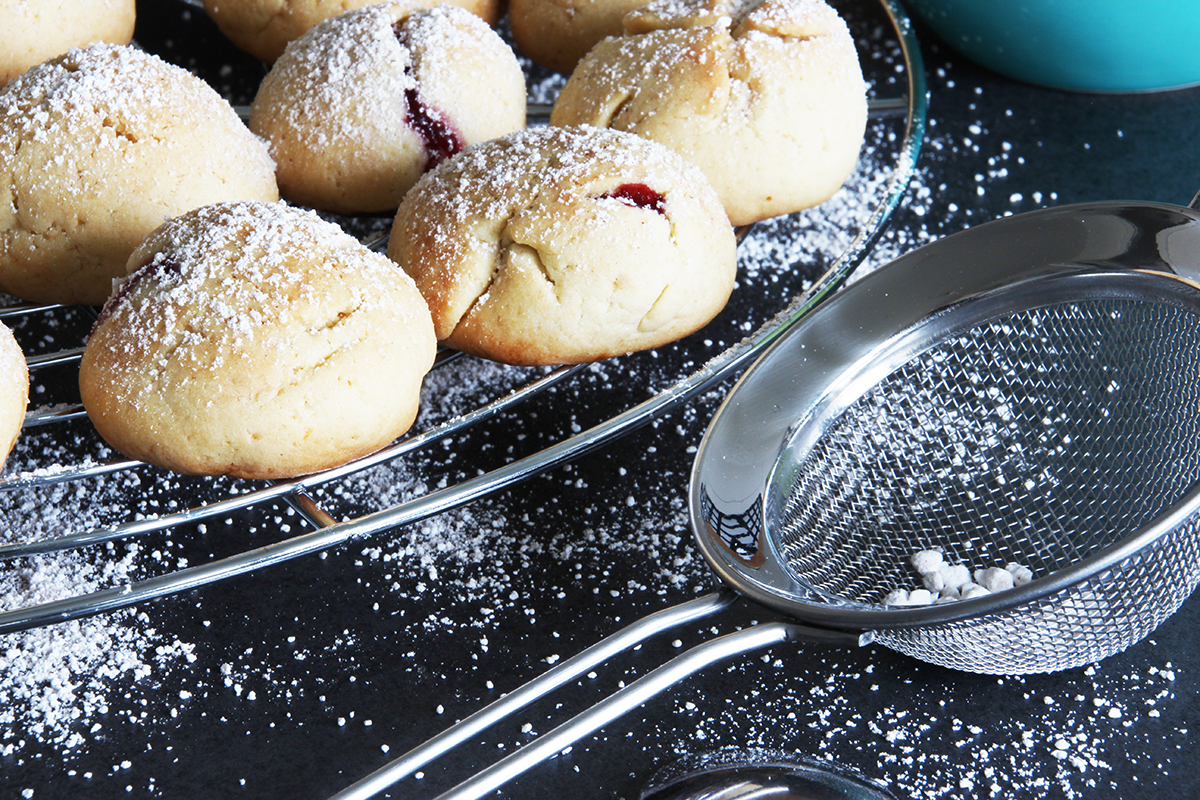 Kirschplätzchen backen weihnachtsbäckerei Rezept binedoro